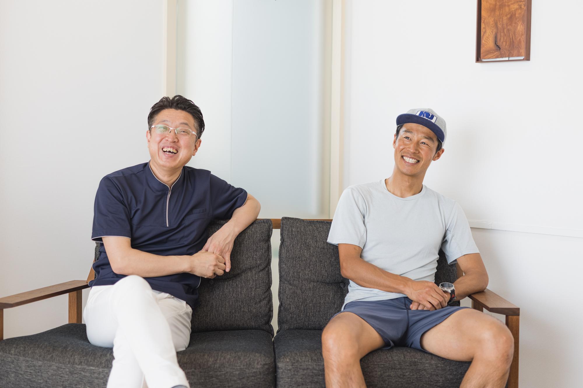 Kenichi-Yamamoto_&_Yamagishi_chatting_photo